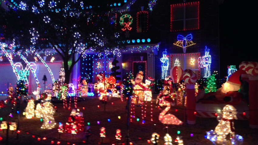 [UGCDFW-CJ-holiday]Christmas Lights in Forney