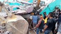 Fuerte terremoto en Indonesia deja al menos 34 muertos y más de 600 heridos