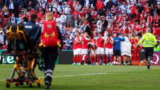 El danés Christian Eriksen se desvaneció repentinamente en mitad del partido de la Eurocopa Dinamarca-Finlandia