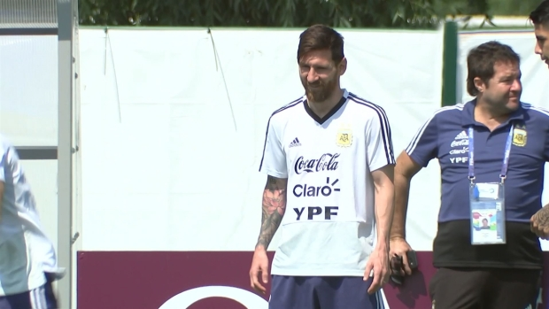 [World Cup 2018 PUBLISHED] Messi en su cumpleaños, sin su esposa y dentro de un huracán