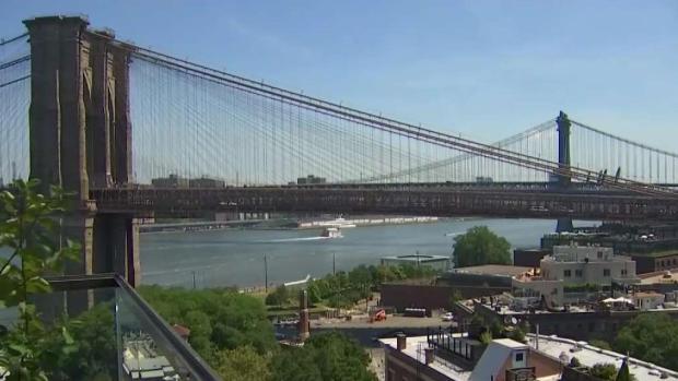 [TLMD - NY] Pirotecnia multicolor ilumina cielo neoyorquino