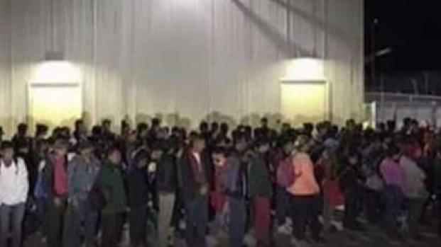 [TLMD - LV] Patrulla Fronteriza intercepta a grupo de casi 200 migrantes