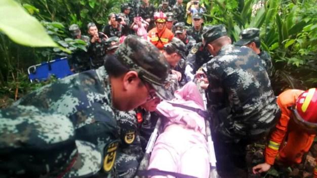China: terremoto deja muertos, heridos y destrucción